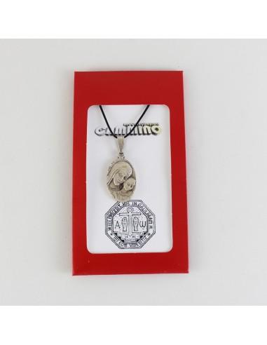 Medalla maternidad Material: Plata Medida: 2.7 cm Con cordón