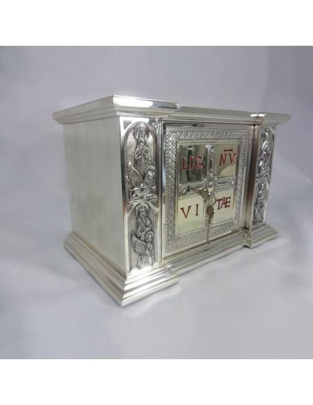 Sagrario metal plateado, dimensiones:  Puerta: 21 x 21 cm Sagrario: ancho 44 cm, alto 30 cm, fondo 27 cm