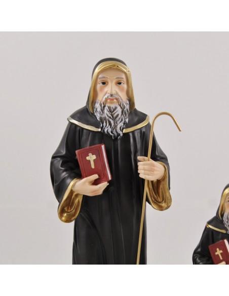 San Benito en resina, disponible en 13 cm, 21 cm y 32 cm.