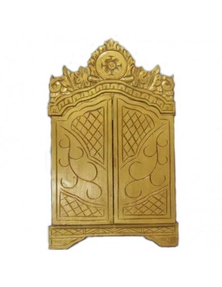 Tríptico de madera pintado a mano con certificado. Dimensiones: 64 x 73 cm