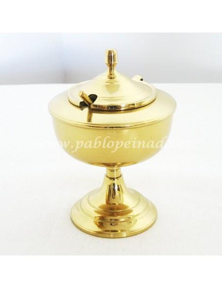 Naveta disponible en diferentes acabados, tanto dorado como plateado. Dimensiones: 13 cm.