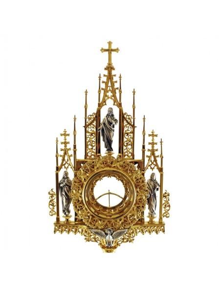 """Custodia de estilo gótico francés, con baño de oro de 24 kilates, representa motivo de """"las tres virtudes"""" en la base y figuras"""