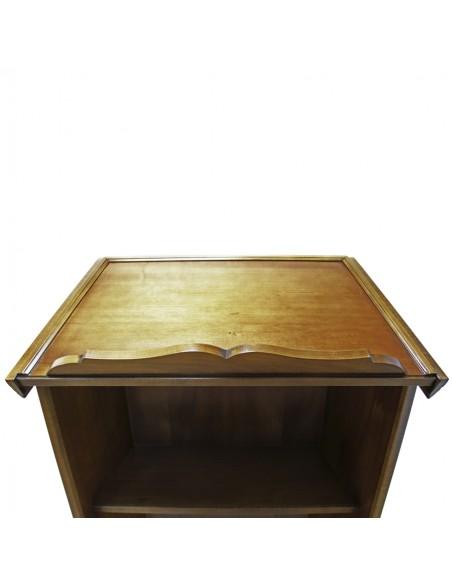Ambon de madera cuatro Evangelistas Altura: 122 cm  Anchura parte frontal: 67 cm  Profundidad: 46 cm  Medida atril:86 cm de