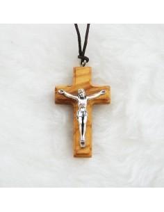 Cruz de maderade olivo con cordon de 4 cm con Cristo plateado
