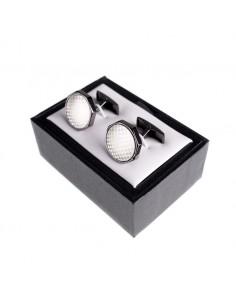 Gemelos plateados  Vienen empaquetados en una caja de 7,3 x 5 cm.