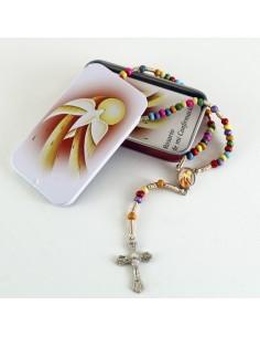 Cajita de lata con detalle de Confirmacion  Contiene rosario y librito con misterios.