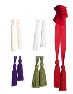 Dos borlas de algodón con cingulo tela de 4 metros.