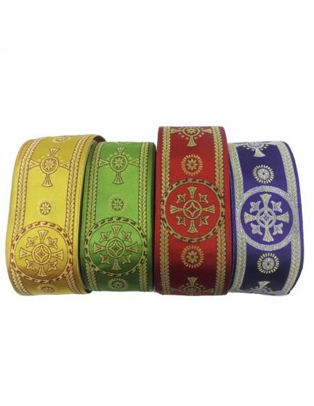 Galón circulo cruz, 8,5 ancho, disponible en los siguientes colores:  - Amarillo - Rojo - Morado - Verde  Precio del met