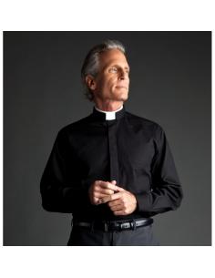 Camisa para sacerdote con cuello romano. Manga larga. Esta camisa está compuesta de Algodón y Poliester.
