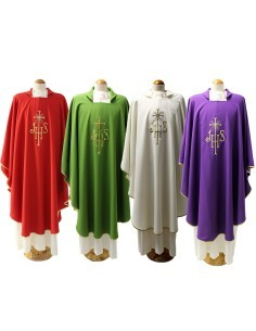 Casulla con las iniciales JHS en tejido poliester con estola.  Disponible en blanca, morada, roja, verde, rosa, celeste y neg