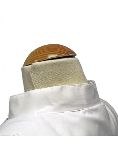 Alba blanca mixto algodón con cremallera delantera disponible en diferentes medidas.