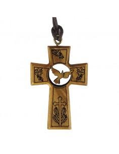 Cruz de madera tallada. Madera de Olivo con detalles: Espíritu Santo, Vides, Cruz y Espigas.