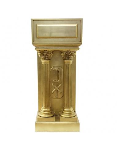 Ambon con dos columnas en pan de oro. Medida posa libro: 46.50 cm de alto x 52 cm de ancho