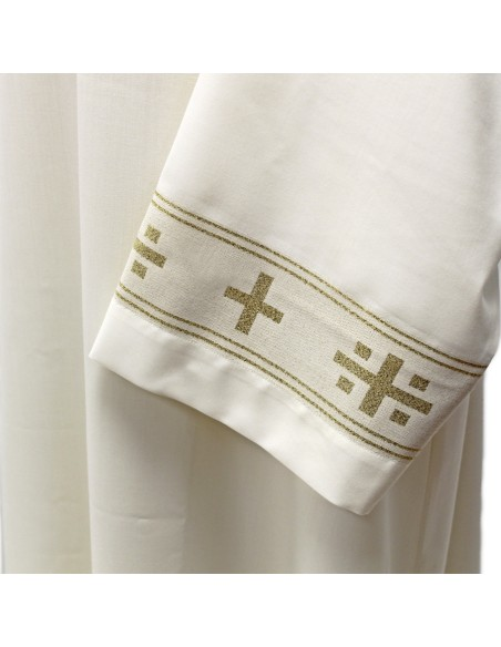 Alba mixto lana (55 % poliester 45% pura lana) con galón dorado insertado. Disponible en diferentes medidas.
