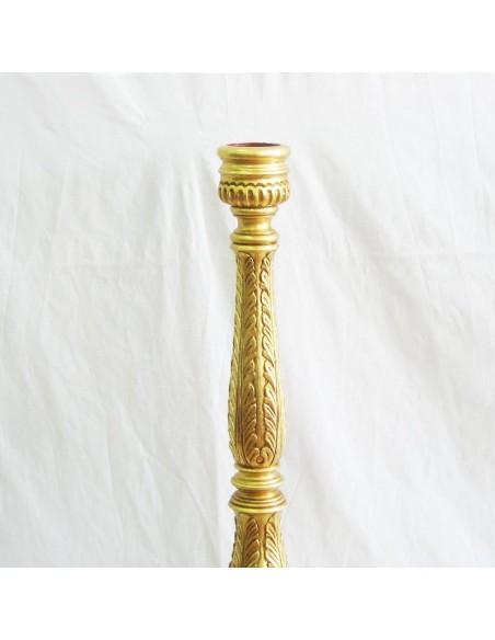 portacirio madera tallada terminado en pan de oro.  Altura: 115 cm Mechero: 8,8 cm