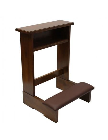 Reclinatorio individual de madera y polipiel. Reclinatorio realizado en madera de nogal barnizado con acabados en tapizado de