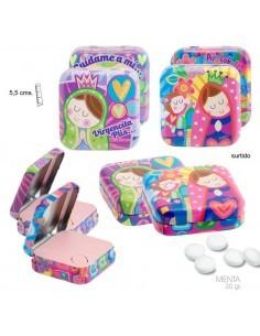 Lata de caramelos de menta de la colección Virgencita Plis. La lata está decorada con dibujos infantiles de la Virgen María.