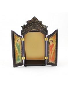 Capilla de mesa o colgada, para imagenes  Medidas exteriores:  22 cm de altura y 10 cm de ancho Interior: 14 cm de altura, 8,