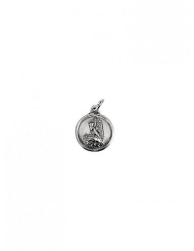 Medalla de la Virgen de las Angustias en Plata de Ley. Medida: 1.50 cm de diámetro.