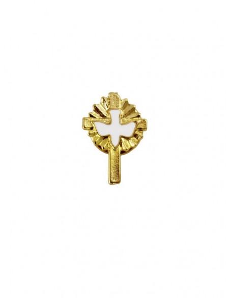 Pin de cruz dorado con detalle de paloma en blanco.
