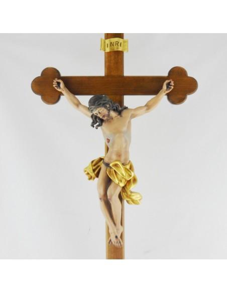 Cristo Cruz con base madera. Altura: 73 cm