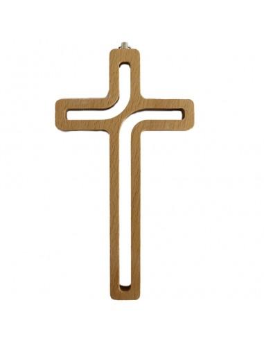 Cruz de madera con huecos. Medida: 20 cm