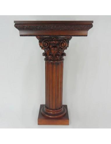 Columna madera nogal. Medidas:  Base de arriba: 60 x 60 cm Alto: 100 cm