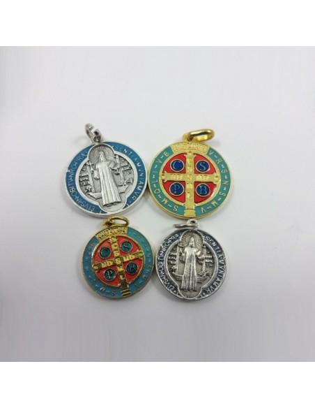 Medalla de San Benito Disponible en 3 acabados  Medida: 2 cm