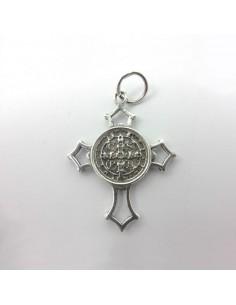 Cruz San Benito de plata. Medidas: 3 cm Alto x 2,7 cm Ancho