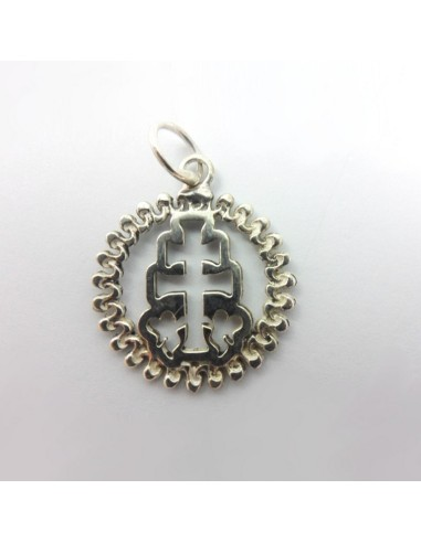 Medalla caravaca de plata. Medida: 2 cm